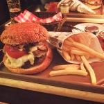HEIMAT-Burger im 25hours Hotel